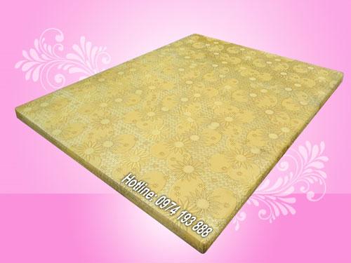 dem-khach-san-mut-cung-lotus